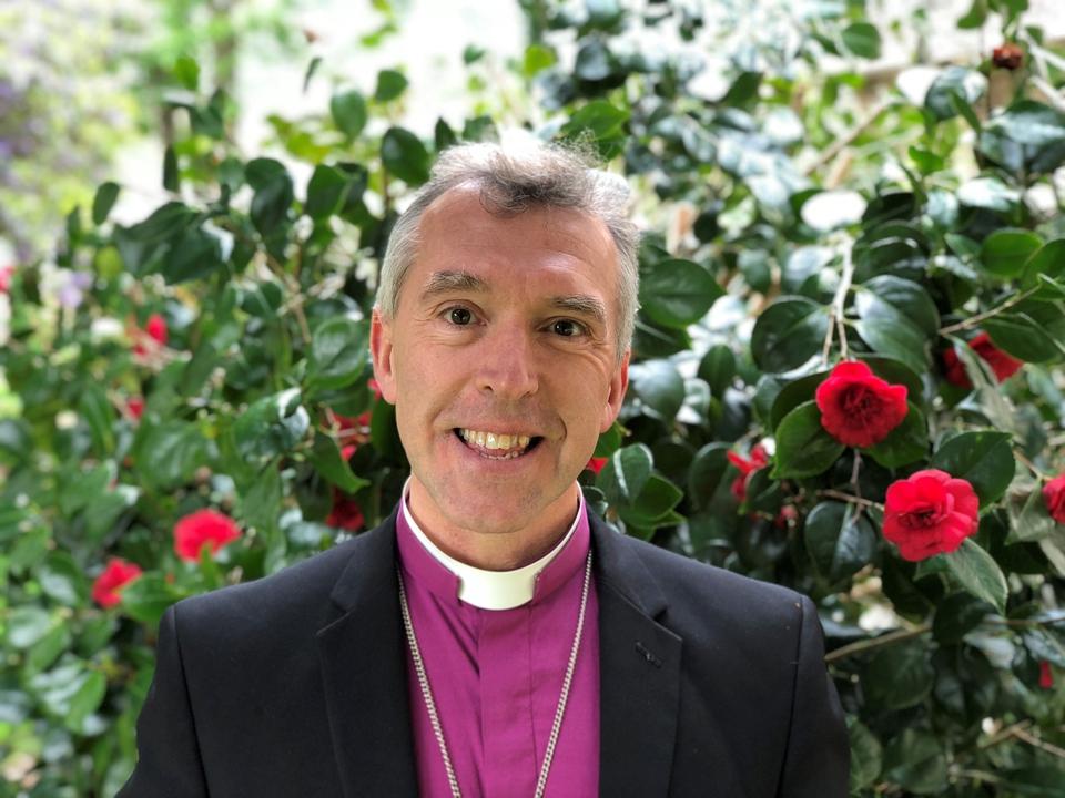 Llun o'r Esgob Andy John   A picture of Bishop Andy John